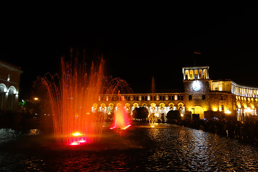 plaza-republica-erevan