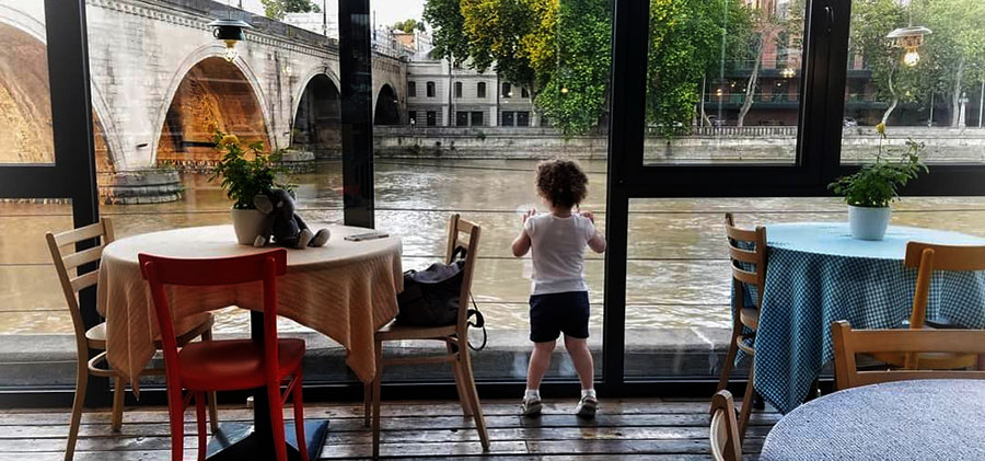 que ver en georgia puente sobre el rio