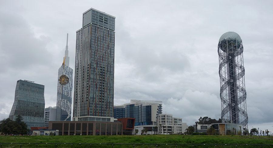 torre-del-alfabeto-batumi