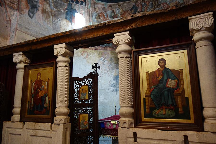 ubisa monasterio georgia interior