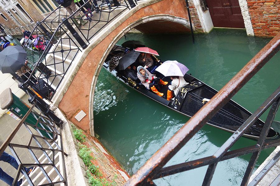 venecia-inundada-gondola