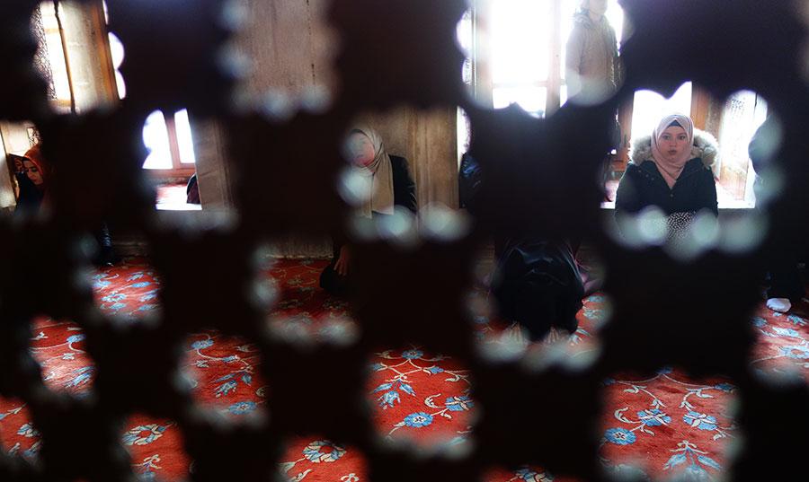 mezquita-azul-rezo