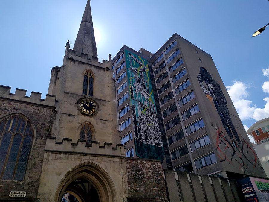 street-art-iglesia