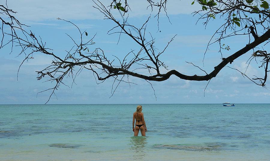 mejores playas en indonesia desnuda