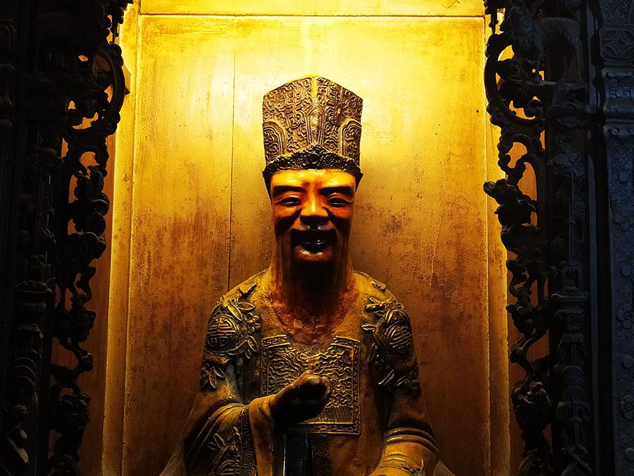 escultura-emperador