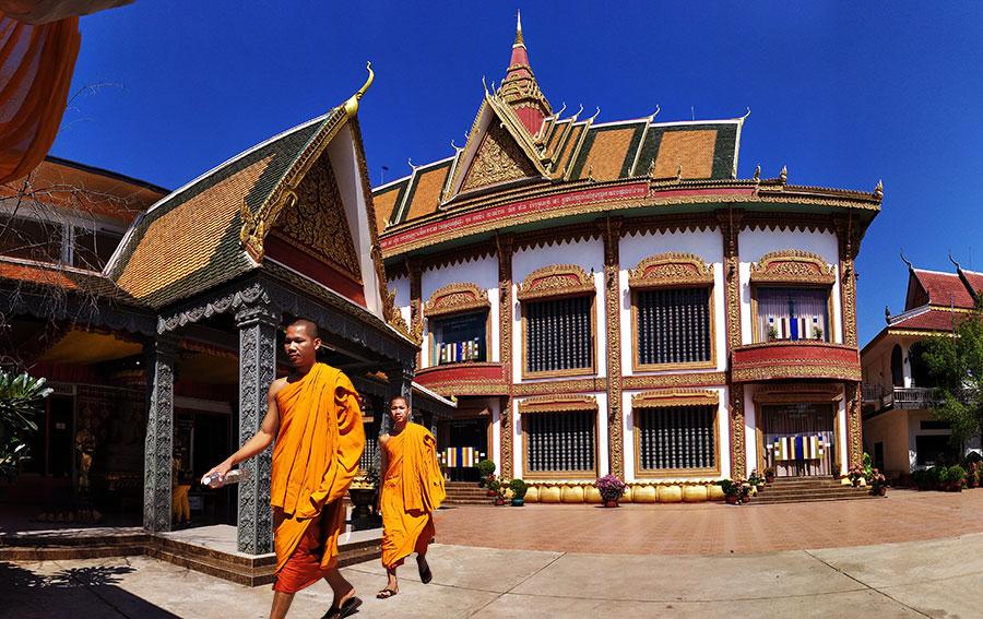 monjes-templo-siem-reap