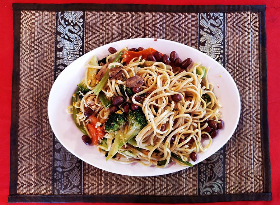 noodles-siem-reap-red-angkor