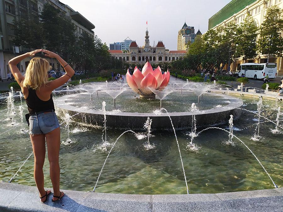 plaza-flor-de-loto que ver en ho chi minh