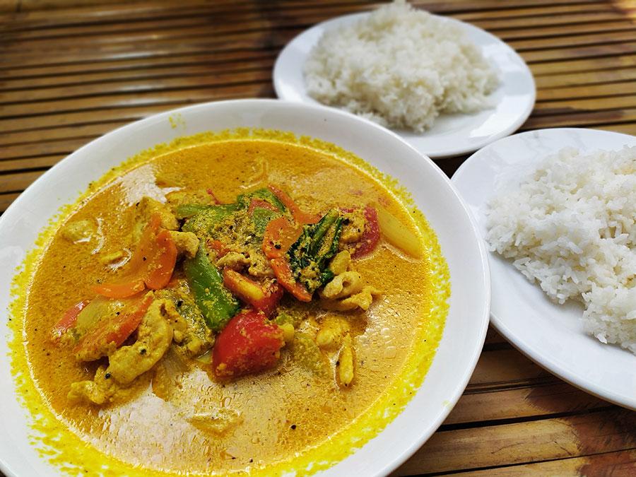 comer-en-hoi-an-chicken-curry