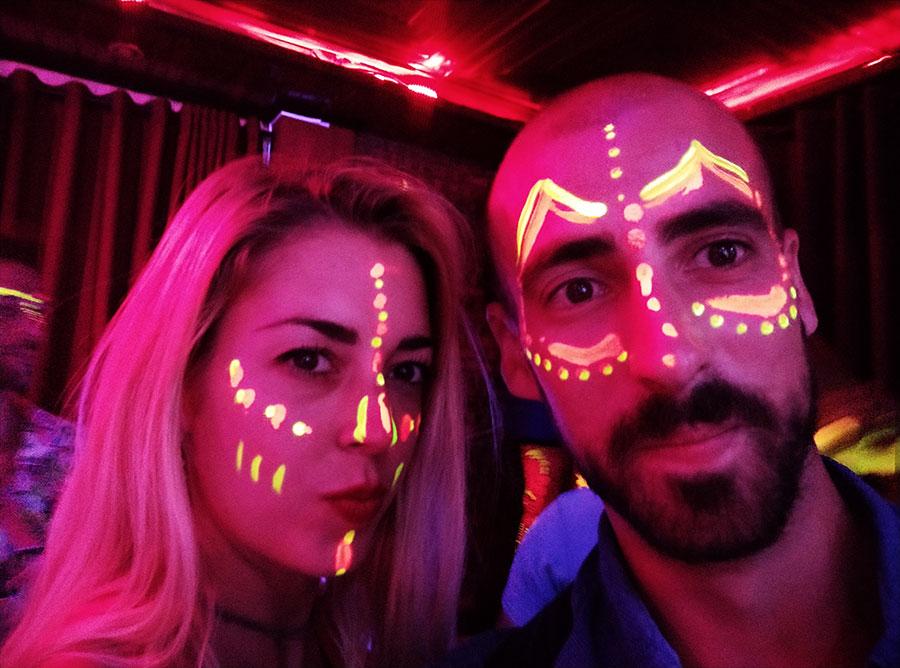 fiesta-neon-hoi-an