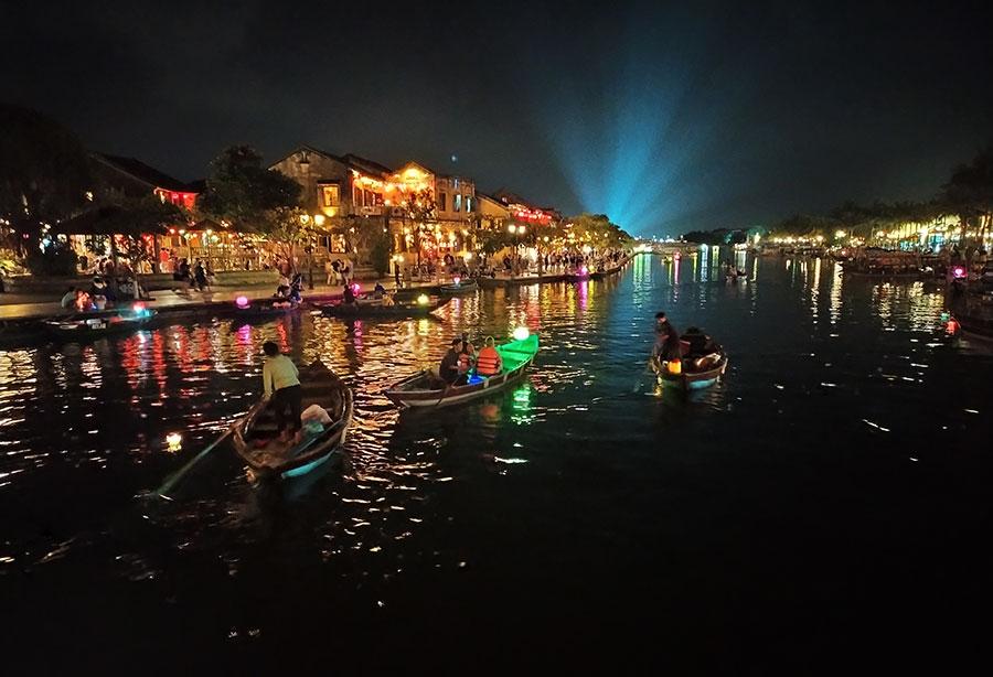 hoi-an-noche-rio
