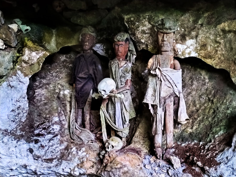 cueva-cementerio-toraja