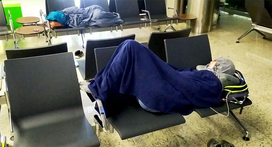 dormir-en-el-aeropuerto-moscu
