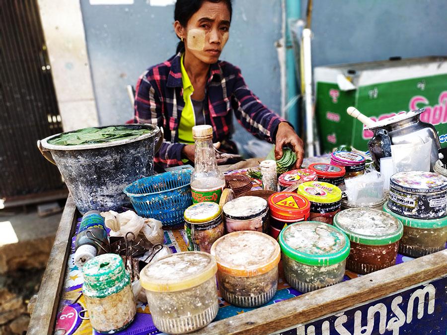 puesto-callejero-chicle-myanmar