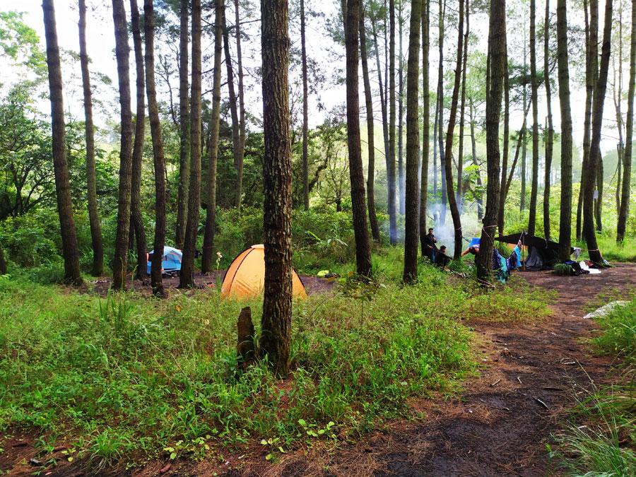 zona-de-acampada-soputan