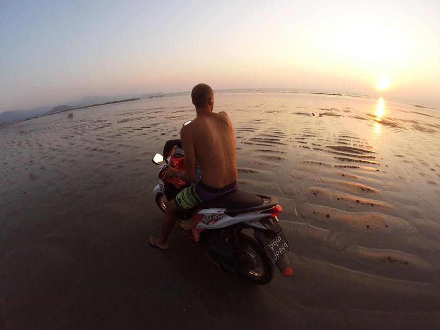 alquilar-moto-en-myanmar