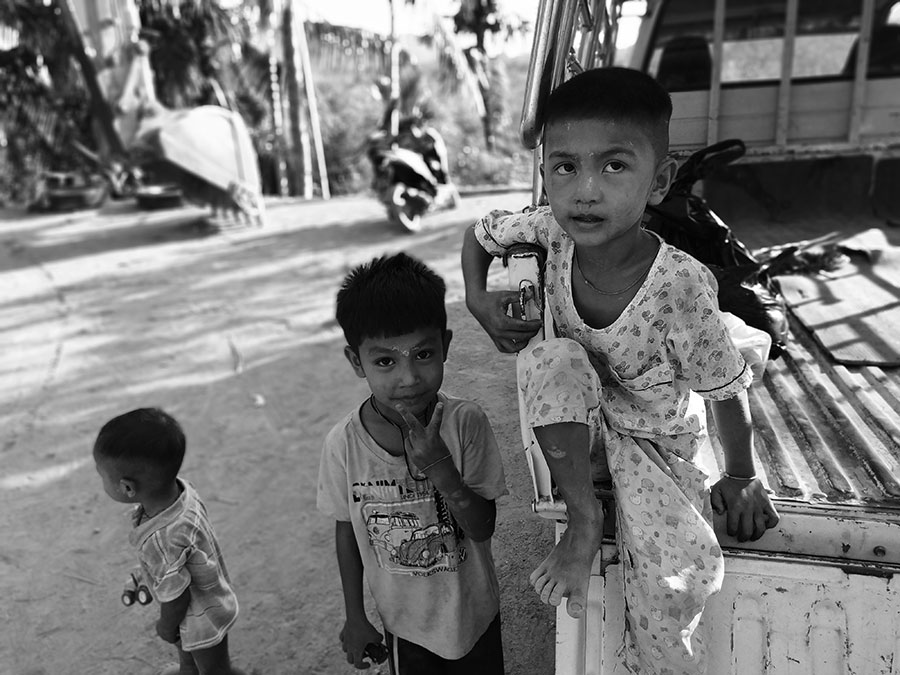 consejos-para-viajar-a-myanmar-gente