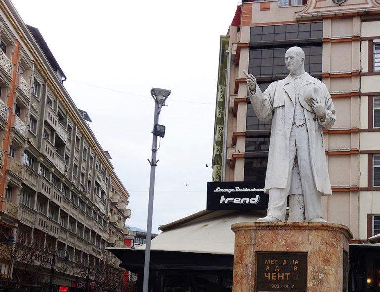 monumentos-skopje-dirigente