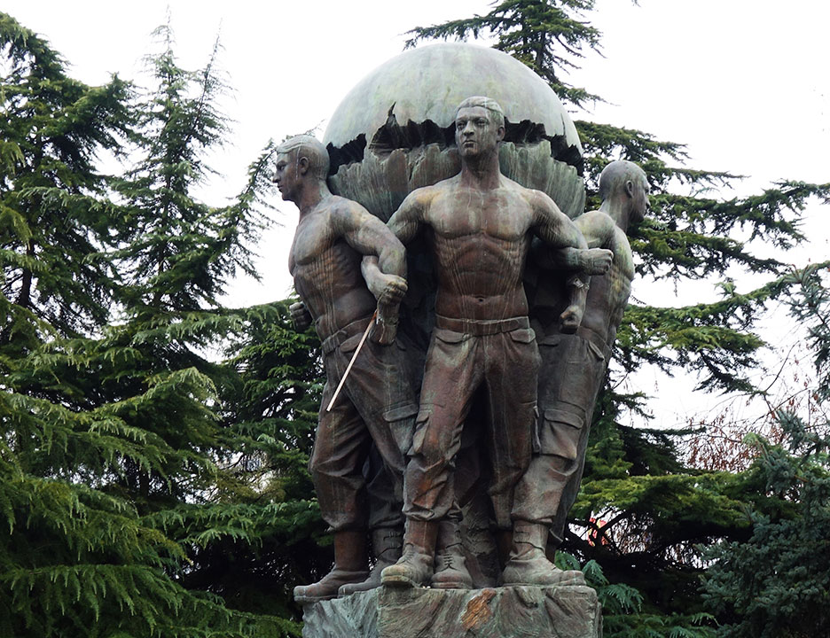 skopje-monument-the-world-is-mine